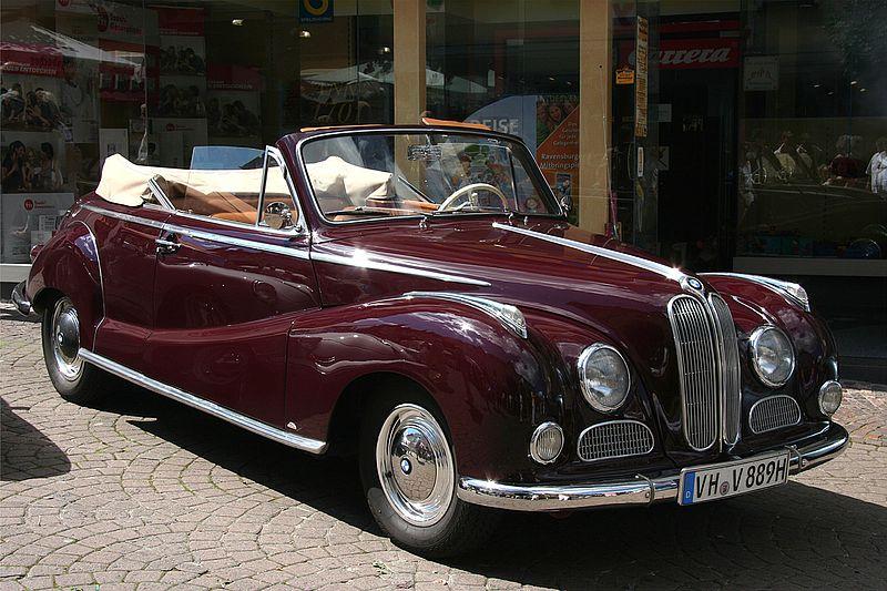 Az autó gyártását 1964-ben állították le. Érdekes d8c7cfb062